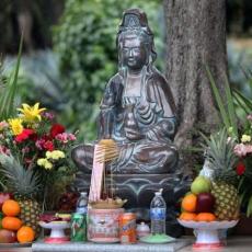 Buddhism: Rituals